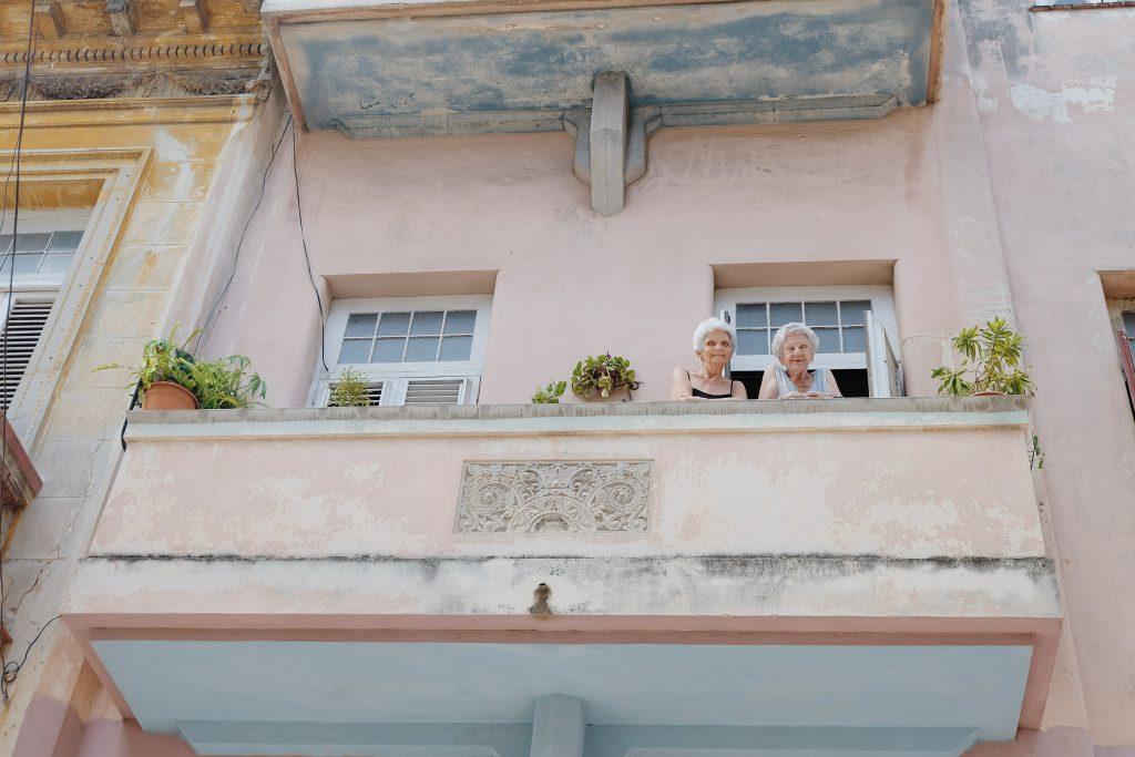 balcony picture Cuban ladies Centro Havana