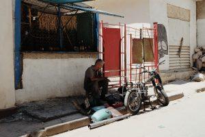 man at work streets Havan Vieja