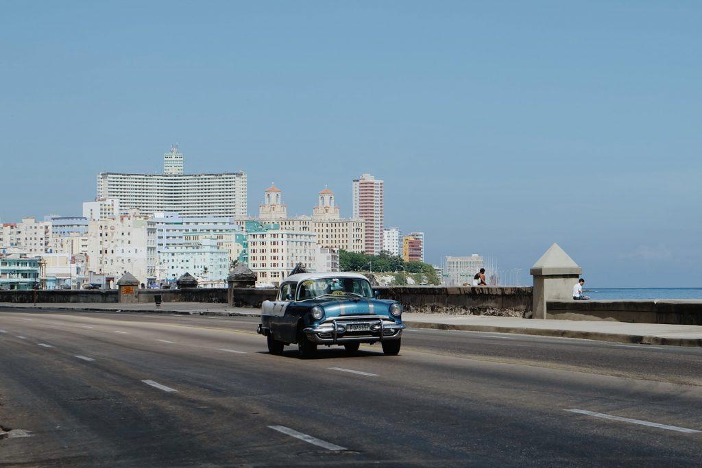 oldtimer drive Malecon Havana