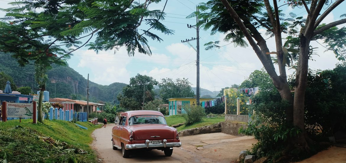 Viñales village classic car