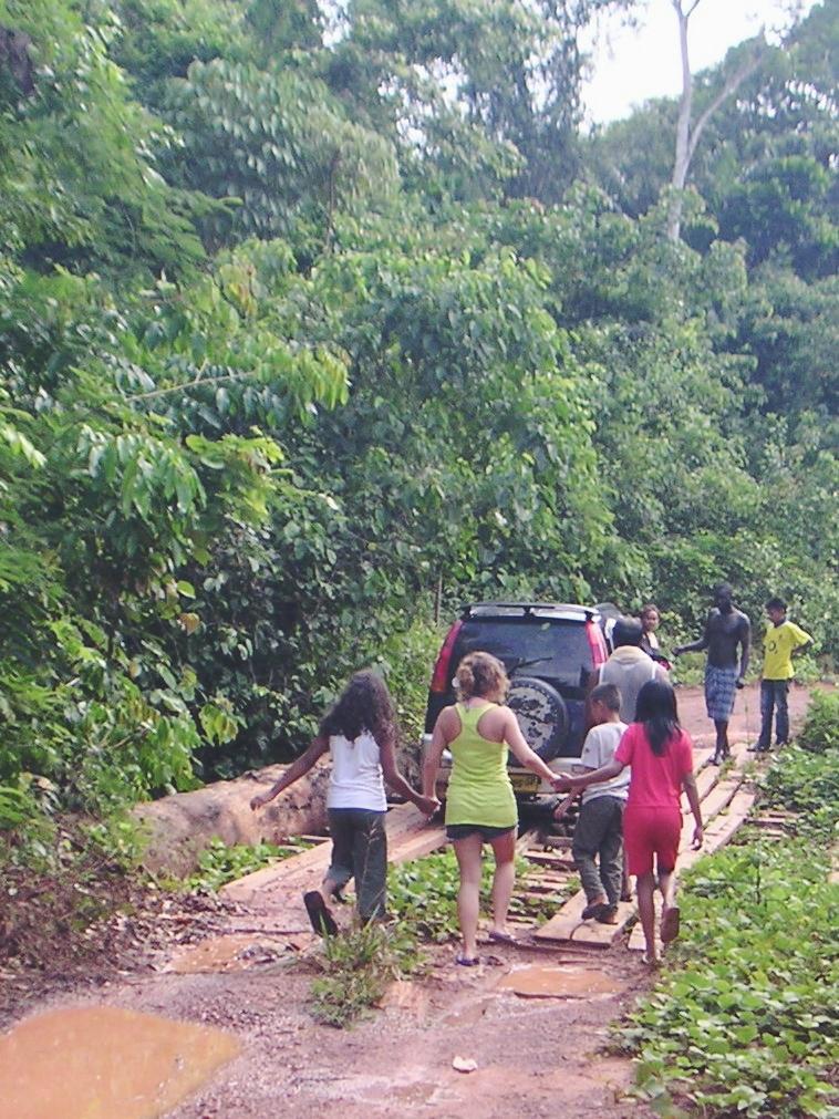 making new friend jungle Surinam